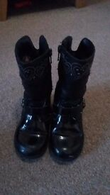 Size 7 girls black boots