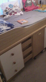 bed, with desk, chest and drawers under, great condition, colour, oak
