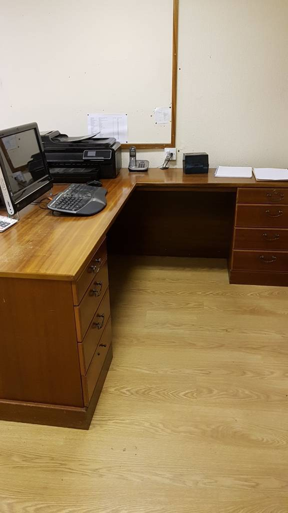 L shaped desk with drawers