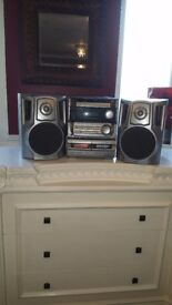 AIWA CASSETTE PLAYER / CD PLAYER WITH SPEAKERS