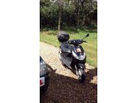 50 cc moped.Peugeot Vivacity Compact