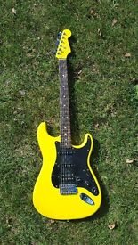 Fender Stratocaster (Limited edition) FSR Fat Stratocaster Graffiti Yellow 2004