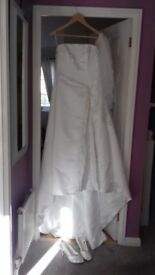 ivory wedding dress size 12 plus veil and shoes size6