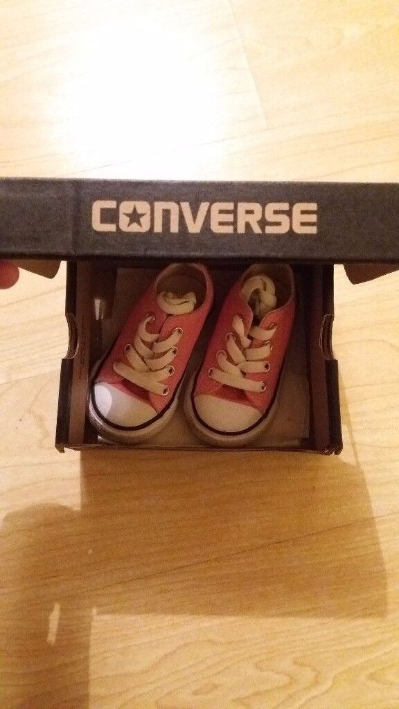Baby girls pink converse in box - UK Size 4