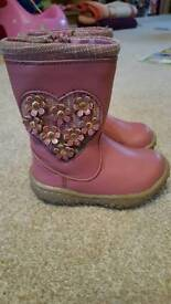 Girls size 4 pink winter boots