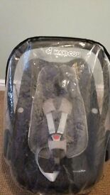 Maxi cosi pebble plus i size car seat and raincover