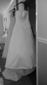 Beautiful white wedding dress for sale