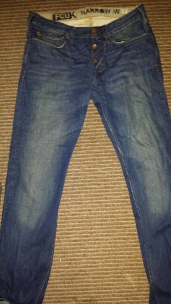 Mens Henry Lloyd & FCUK designer jeans. 1 pair of each W32 regular leg - great condition