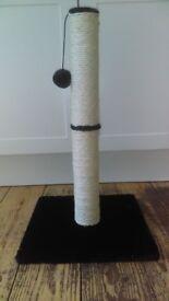 Cat scratching post with pom pom - 50cm tall
