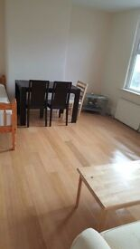 Refurbished 2 bedroom flat to rent - excellent location in Hounslow next to Treaty Centre
