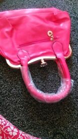 lovely looking leatner hand bag