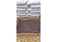 10 x 20kg bags Plum slate chippings