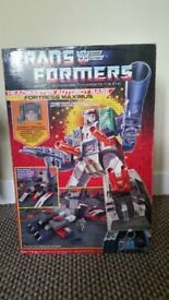G1 Transformers Fortress Maximus boxed and complete not reissue