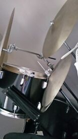 very good condition drum kits, 499 pounds, 10 pieces