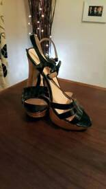 WOW! LK Bennet Classic Black Patent Heels in Size 7