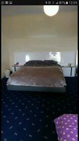 King sized designer high gloss bed and mattress