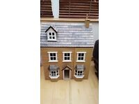 VINTAGE VICTORIAN DOLL HOUSE