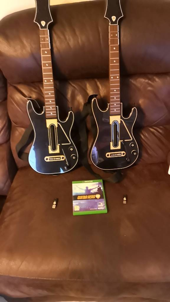 Guitar hero live Xbox one with 2 guitars