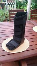 Moon boot OAPL brand large size black Nowra Nowra-Bomaderry Preview