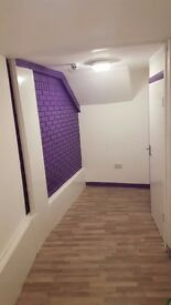 Room For Rent. Ground floor, front of house. Winchmore hill, North London.