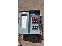 H362 Heavy Duty Safety Switch in Enlosure - New and unused