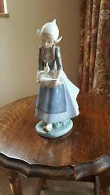 Lladro figurine. Dutch girl with goose