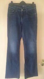 Womens Levis jeans