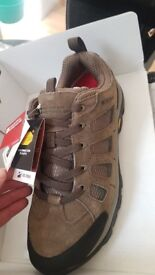Brand new in box mountain warehouse extreme Mens hiking boots waterproof size 9