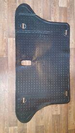 Landrover Freelander s 2004 1.8lt - Rubber floor and boot mats Full set. Genuine Landrover