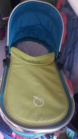 I candy peach sweet pea carrycot