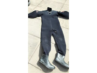 High Quality Hydrotech Neoprene Diving Dry Suit with pee valve