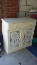 Shabby chic sideboard / cupboard