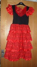 SPANISH DRESS & HAIR PIECE SIZE 10