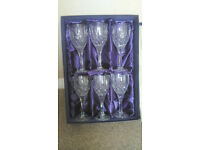wine glasses in presintation box
