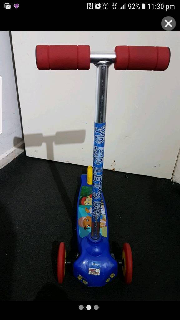 3 Wheel Balance Scooterin Radcliffe, ManchesterGumtree - This 3 Wheel scooter has 2 wheels at the front and 1 at the back. I bought it for my boy but he has now grown out of it. You lean to the side to turn the wheels through balance. It also has a break on the back wheel to stop. The scooter does have...