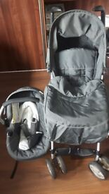 Hauck Travel System pushchair and car seat