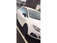 IBIZA SPORT COUPE , SPORT MODEL IN WHITE AND BLACK