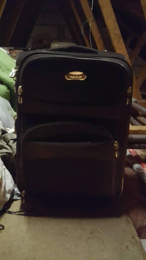 Magnum expandable suitcase