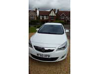 STUNNING White Astra Elite. 60 plate, 69K miles, FSH, Heated Leather Seats. Immacualate Throughout.