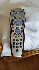 Genuine sky sky+hd used remote control Good condition. Includes batteries no texing