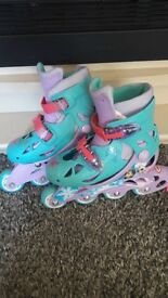 Girls inline frozen skates