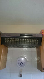 Electric oven, gas hob and extractor fan