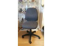 Teknik office chair
