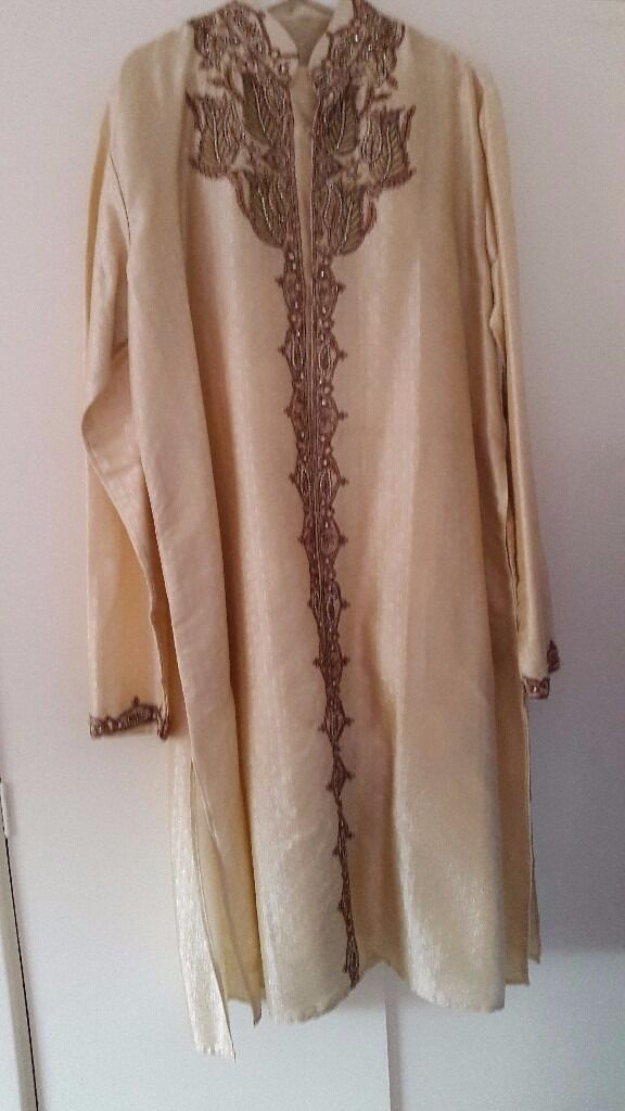 Mens indian tunic and trousers