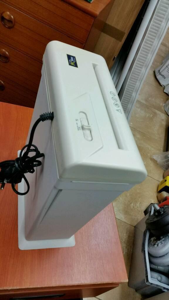 Pc line paper shredder reverse action