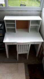 £10 White children's Desk and chair