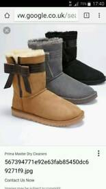 Grey ugg boots with bow