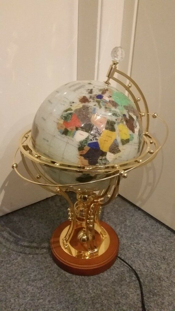13 World Globe Table Lamp W Intricate Brass Wooden Base For