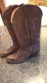 TEXAN BOOTS bought in ROCKIT in leather, amazing conditions only £7!!!! Size 36