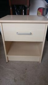 Bedside unit in great condition